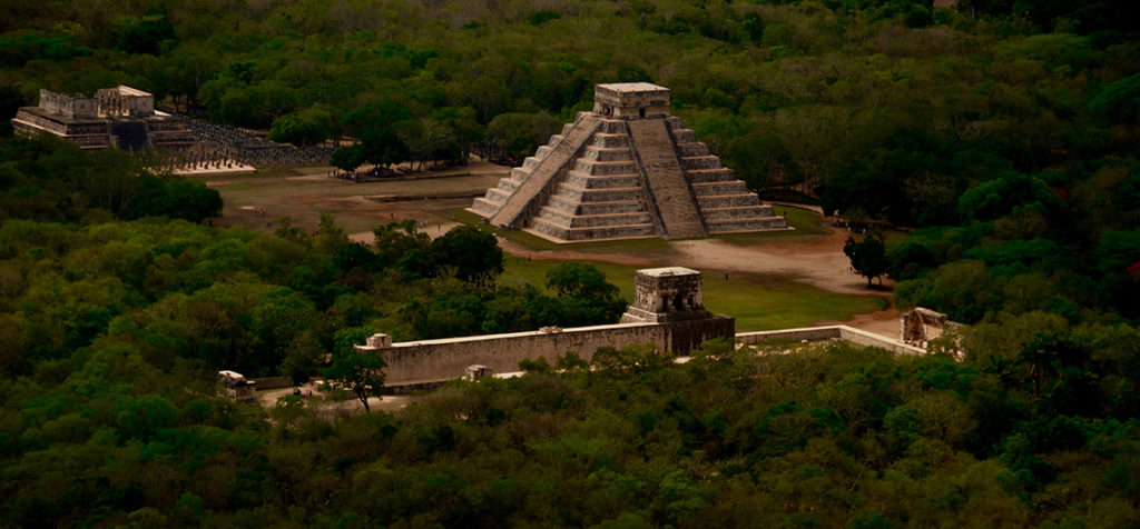 Tour to Chichen Itza Ruins by Airplane from Cozumel