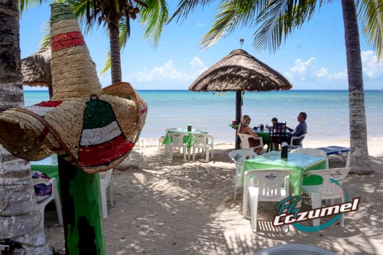 Albertos Beach Bar Cozumel