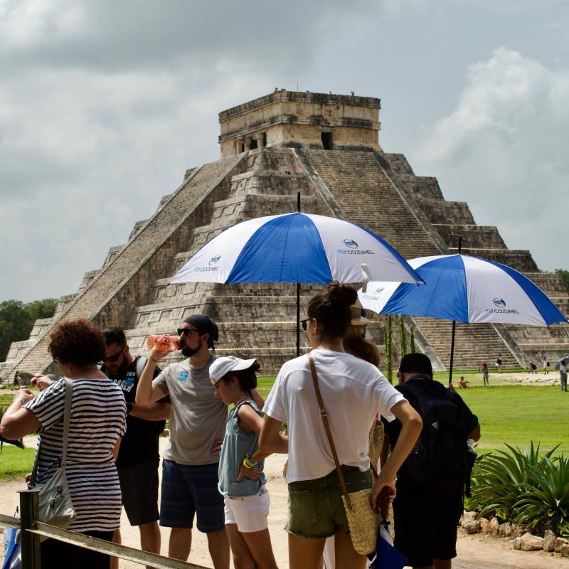 Customer kukulkan pyramid chichen itza